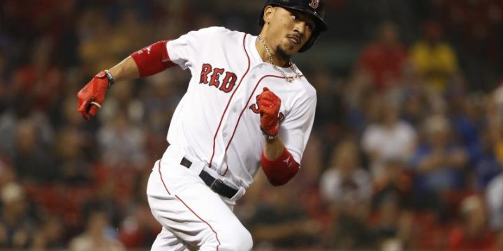 Mookie Betts Leaves Game vs. Orioles with Foot Injury
