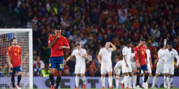 Spain's flaws were laid bare vs. England; now it's up to Luis Enrique to set things straight