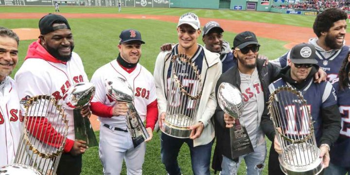 Red Sox celebrate title, with assist from Pats