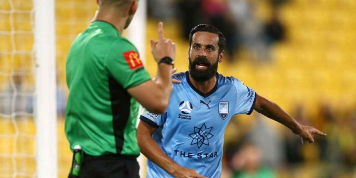 Retiring Sydney FC captain Alex Brosque focused on securing A-League week off