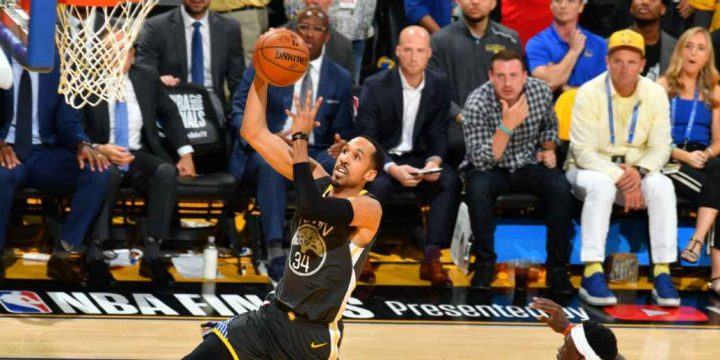 Warriors waive 3-time champ guard Livingston