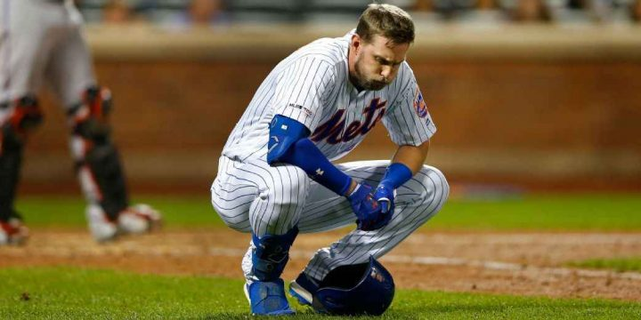 Mets' McNeil suffers fractured wrist on HBP