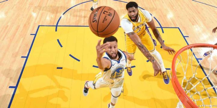 Steph Curry 'christens' Warriors' new Chase Center with 30-foot airball