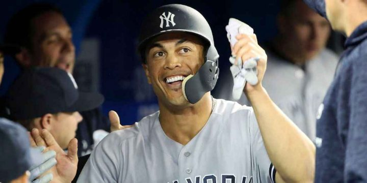 Giancarlo Stanton (calf) would be in Yankees' lineup if games were being played, Aaron Boone says