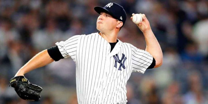 Yankees' Zack Britton escapes with only wrist bruise after being hit by line drive