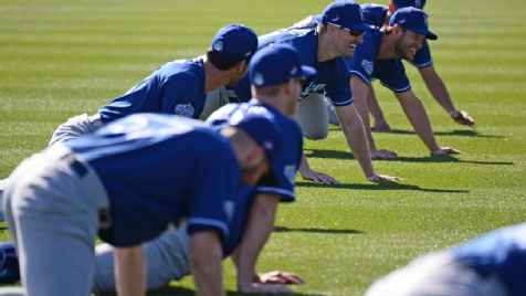 Dodgers trainer to stream workouts for fans at home during pandemic